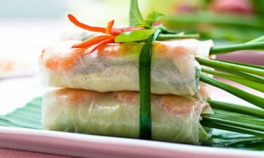 vietnamese-fresh-spring-rolls-nem-cuon-with-hoisin-peanut-dipping-sauce-recipe